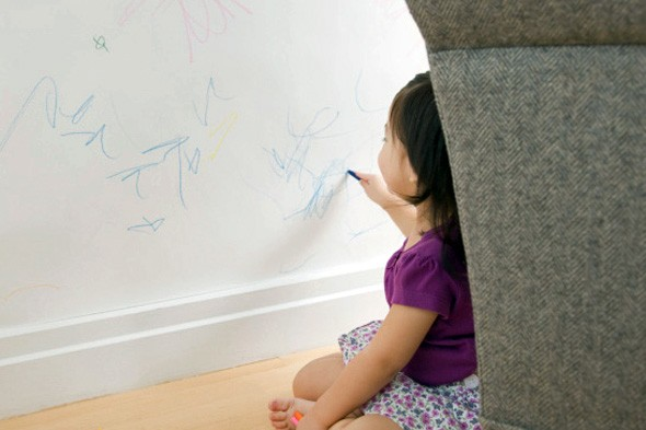 toddler wall crayons 590 10 usos alternativos de la Pasta Dental que no conocías